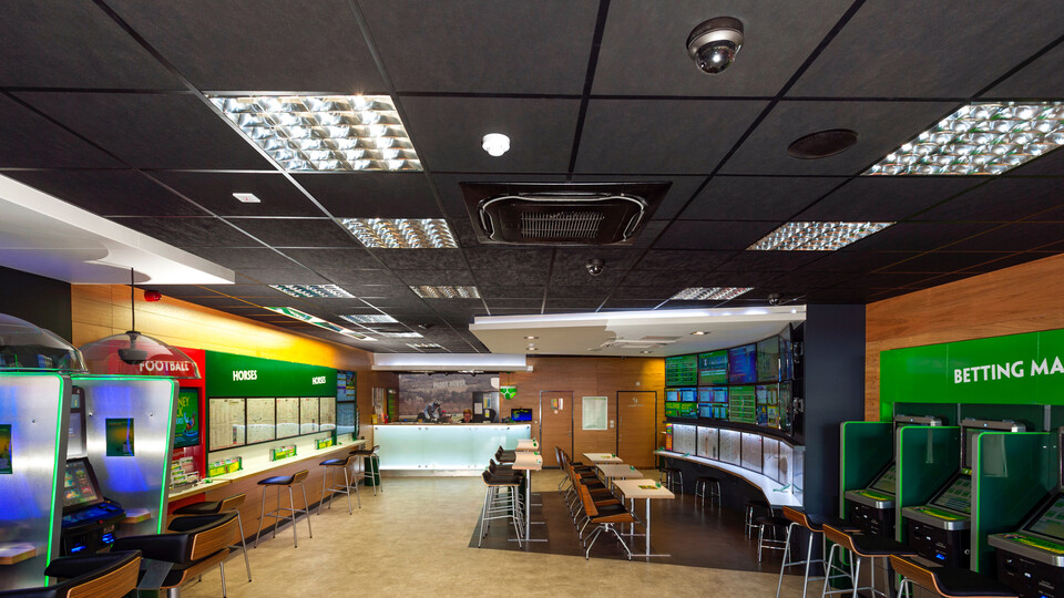 Paddy Power,UK,Sittingbourne and across 55 shops in the UK,AD Contractors,Ian Goodrick Photography,ROCKFON Color-all,charcoal,Chicago Metallic coloured grid